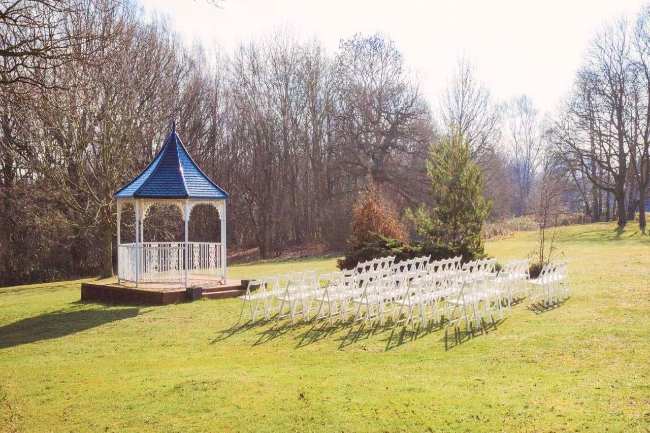 Denham Grove Outdoor Ceremony